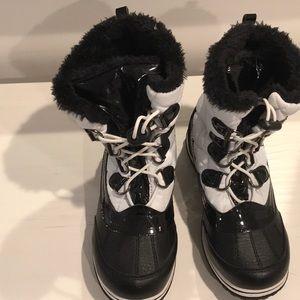 Totes Girls Winter Survivor Pile Lined Boots NWOT